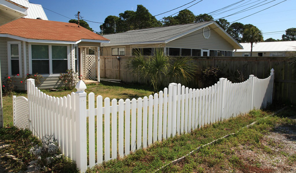 fence and deck contractor in panama city